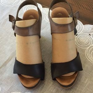 Eric Michael Wedge Leather Wedge Sandals Size 39